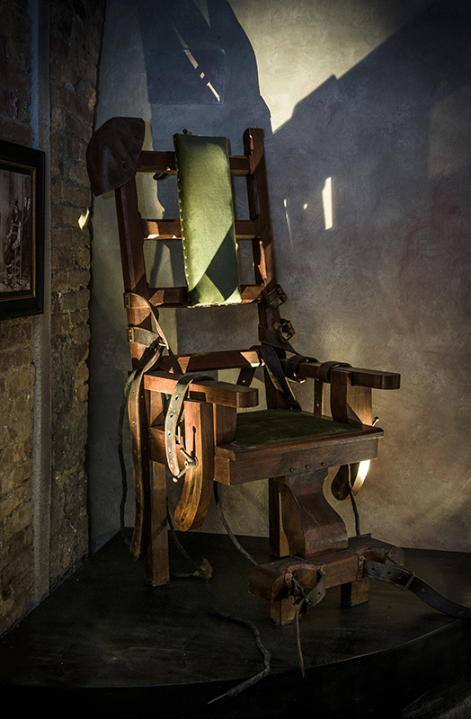 San gimignano museo delle torture for Morte con sedia elettrica